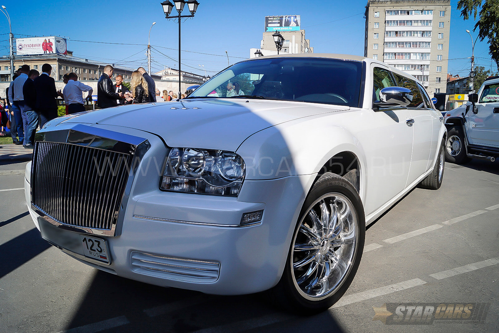Аренда лимузина Chrysler 300C Rolls Royce в Новосибирске