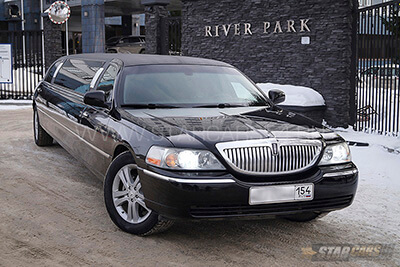 Заказ лимузина Lincoln Town Car Black в Бердске